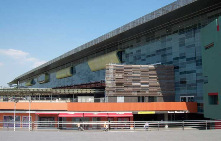 A private driver at your disposal from Tiburtina train station to Rome