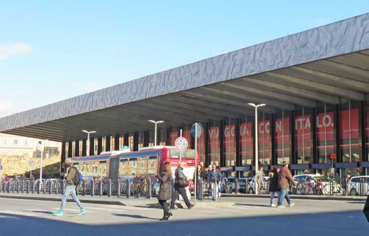 A private driver at your disposal from Termini train station to Rome